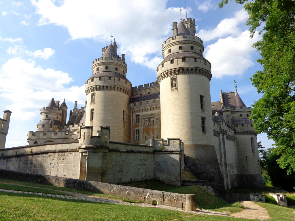 Camelot - Chateau de Pierrefonds June 2015 14 by MorgainePendragon