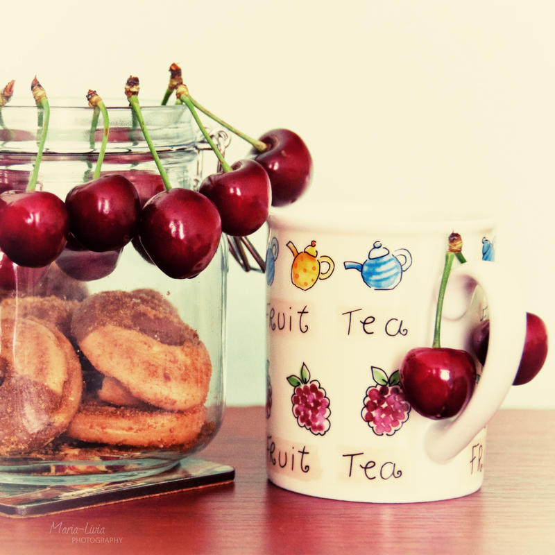 Cherry summer by marialivia16