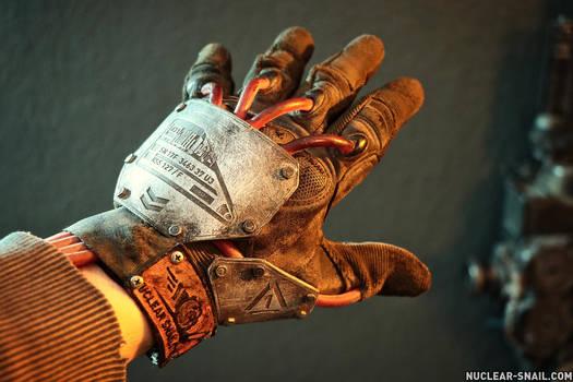 Cyber Glove 01