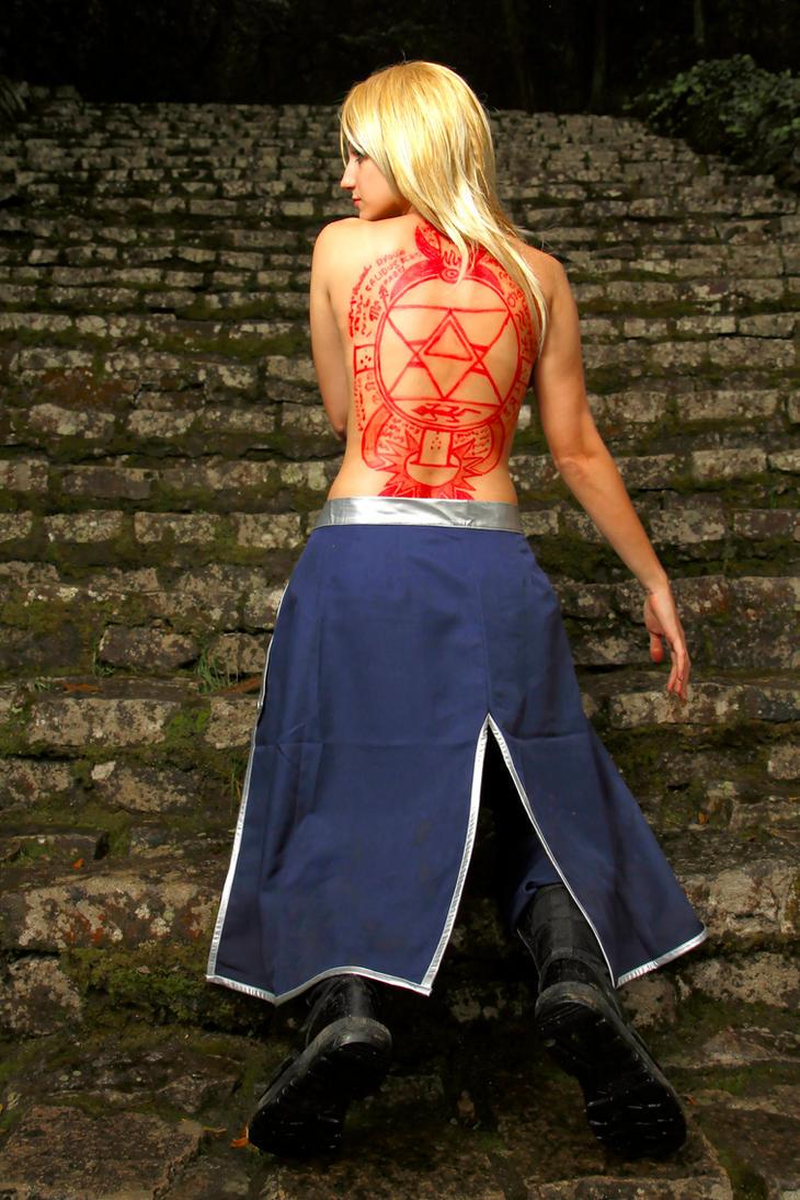 Riza Hawkeye  - Fire Alchemist by Nefzinha
