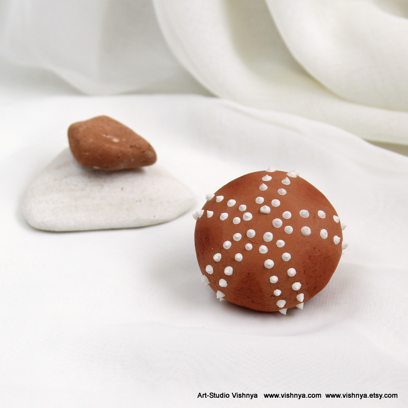 Ceramic Sea Urchin - terracotta and white by vavaleff