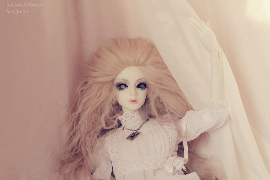 her light by SelenaAdorian