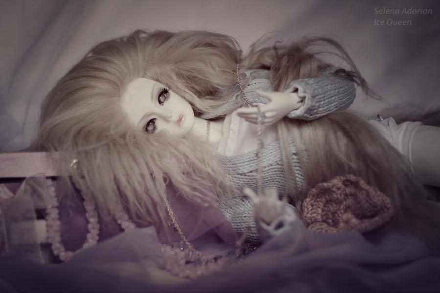 Eva by SelenaAdorian