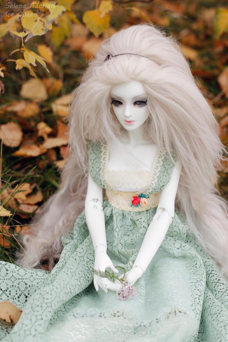 cold autumn day by SelenaAdorian