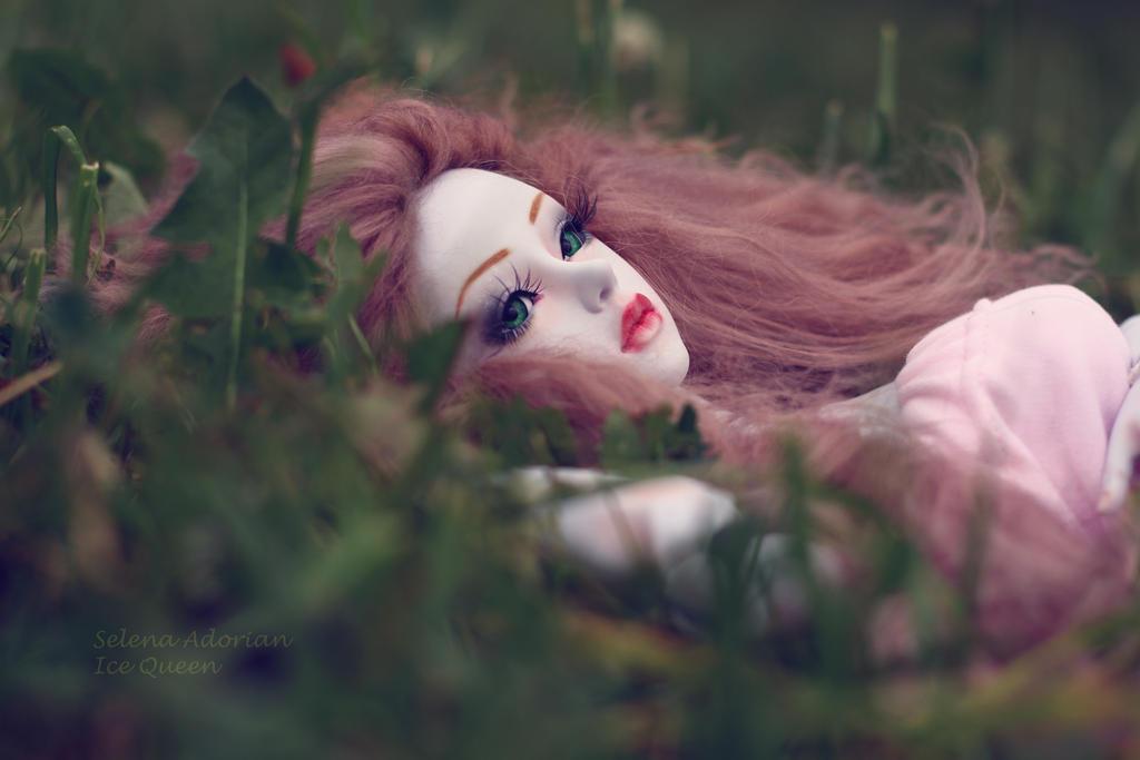cold dream by SelenaAdorian