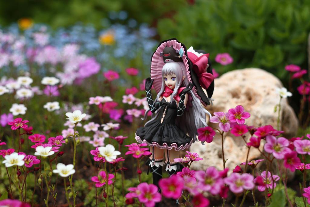 Melty in flowers by SelenaAdorian