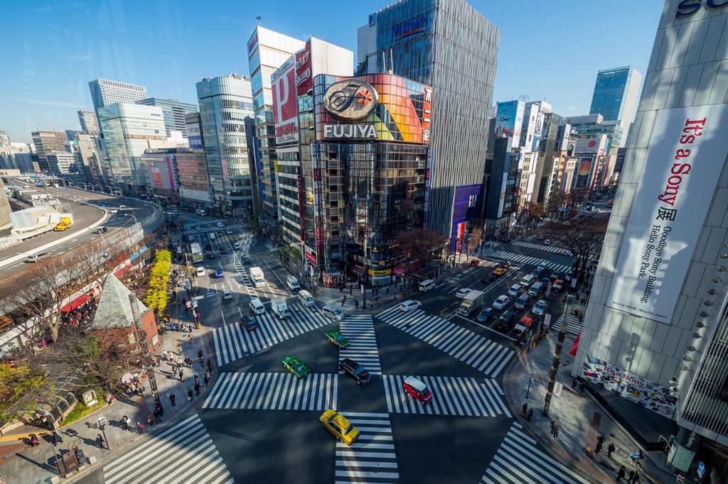 Ginza Crossing by burningmonk