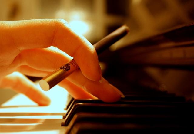 https://orig00.deviantart.net/93ce/f/2009/336/a/f/piano_sobranie_by_sordello_jazz.jpg