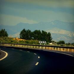 la carretera y las montanas by adamlack