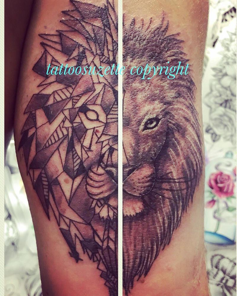 tatouage lion trendy bodystation tatouage lion et sa couronne with tatouage lion cheap image. Black Bedroom Furniture Sets. Home Design Ideas