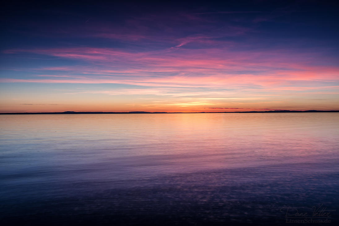 The colorful sunset on Lake Constance by LinsenSchuss