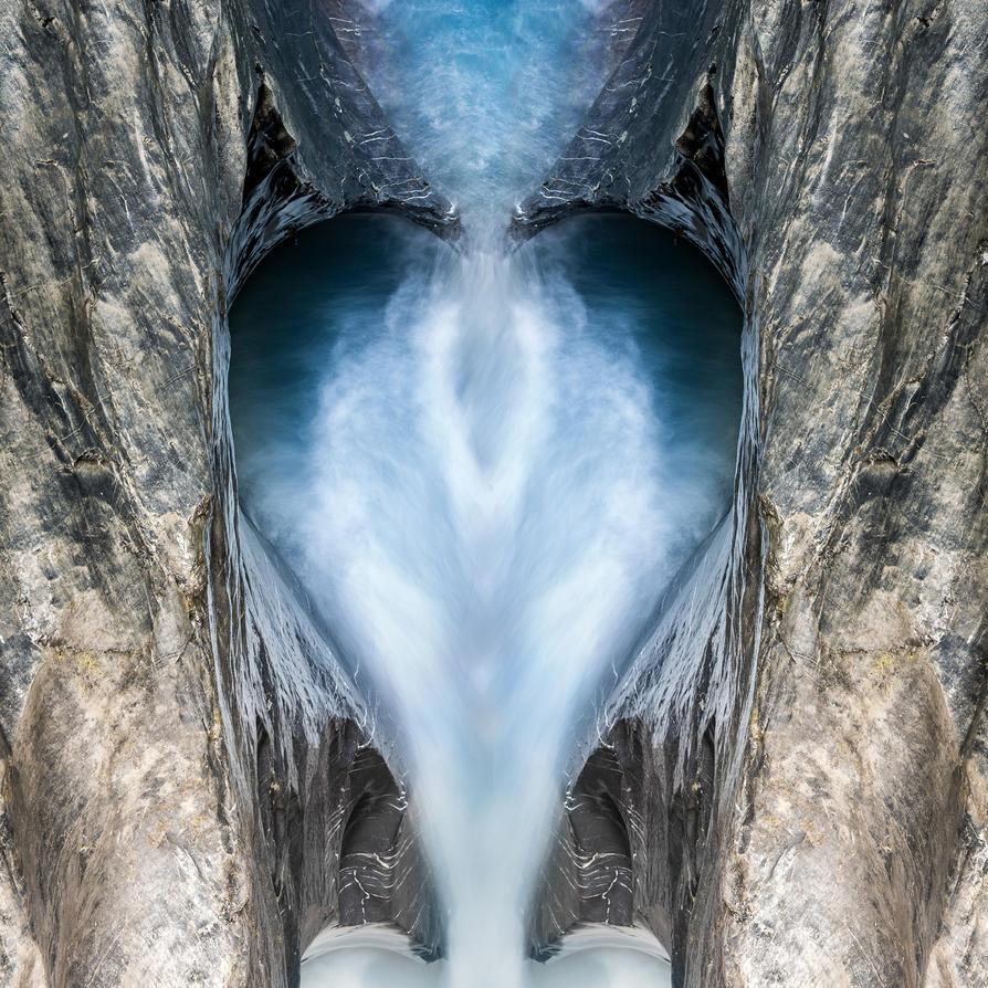 Flowing Heart by LinsenSchuss