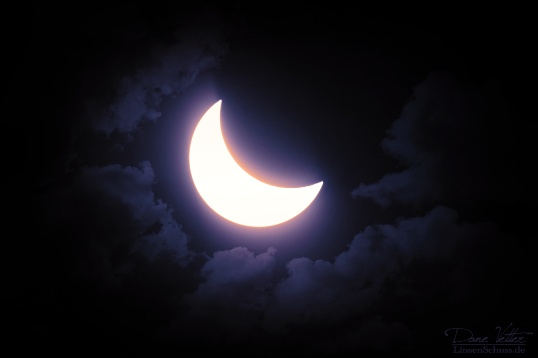 The dreaming eclipse by LinsenSchuss