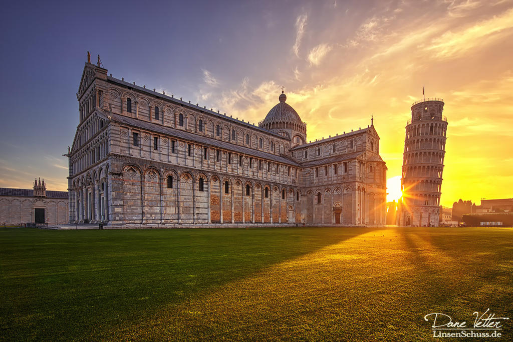 Sunrise at the Leaning Tower of Pisa