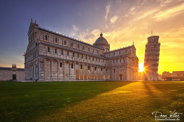 Sunrise at the Leaning Tower of Pisa by LinsenSchuss