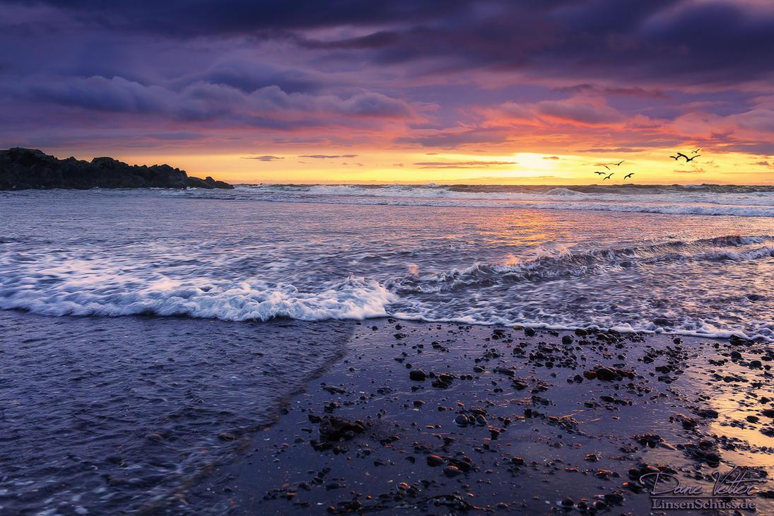 Brimilsvellir - Beach Sunset by LinsenSchuss