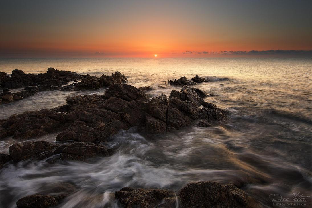 The rocks in the wild ocean by LinsenSchuss