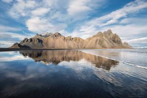 Mirrored Mountains by LinsenSchuss
