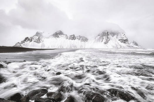 The Vestrahorn in the snow