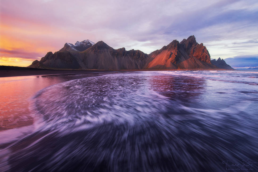 The last rays of sunshine at the Vestrahorn