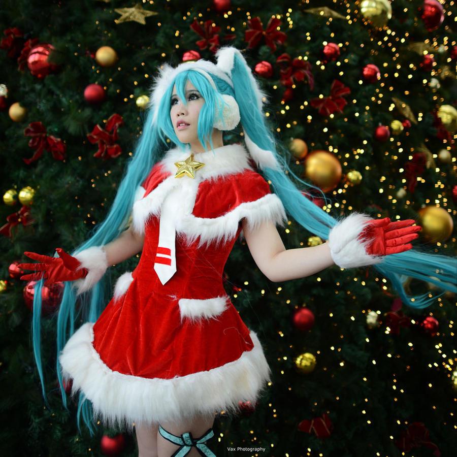 Vocaloid - Santa Miku by vaxzone