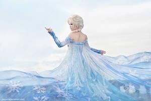 Frozen - Elsa by vaxzone
