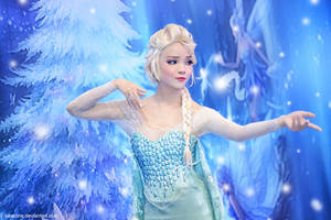 Elsa - Merry Christmas by vaxzone