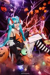 Vocaloid - Halloween Miku 2016 by vaxzone