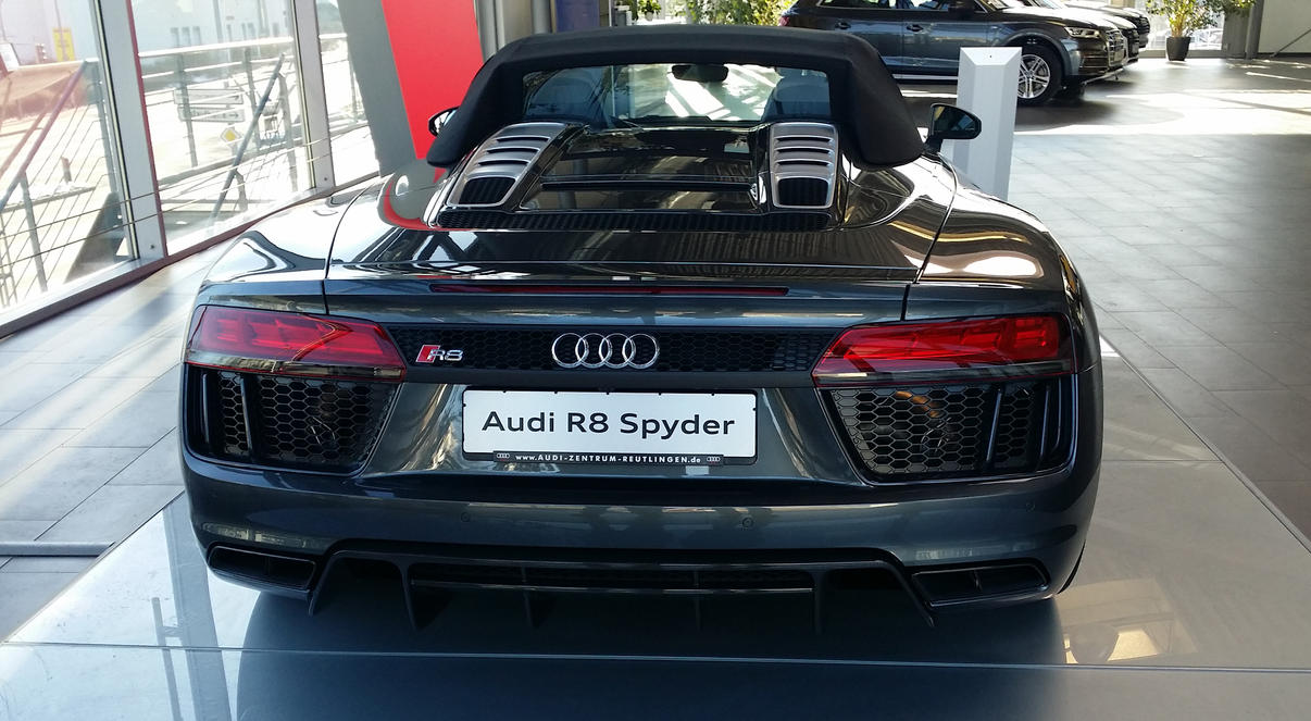 Audi R8 Spyder by Agamemmnon