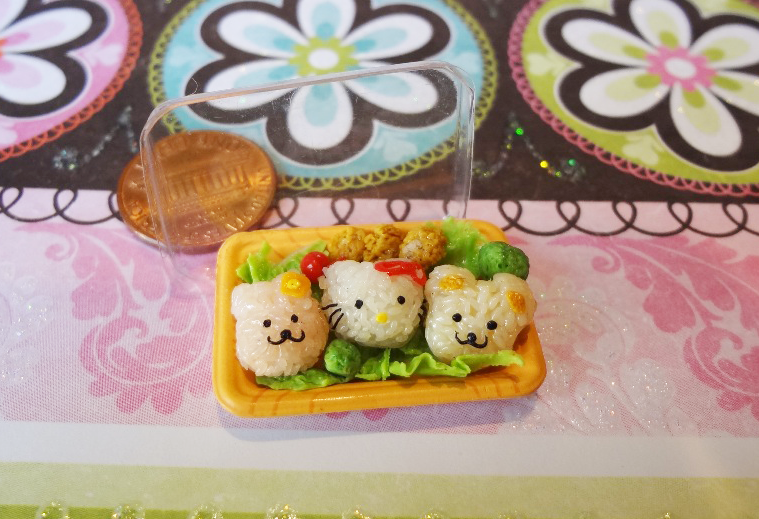 Hello Kitty Rice Balls by WaterGleam