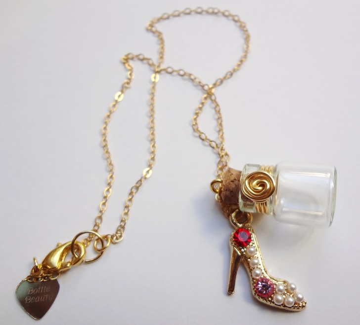 Bottle Beauty Necklace - Feel like a woman by WaterGleam