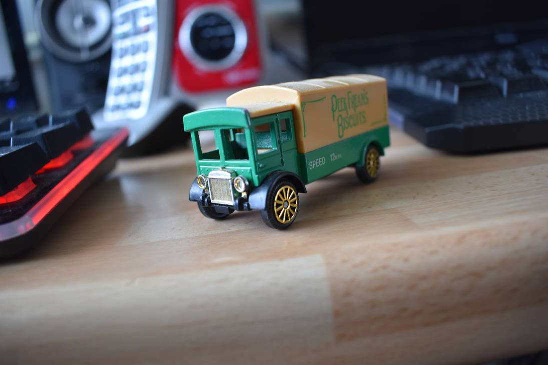 toy lorry by g8ut
