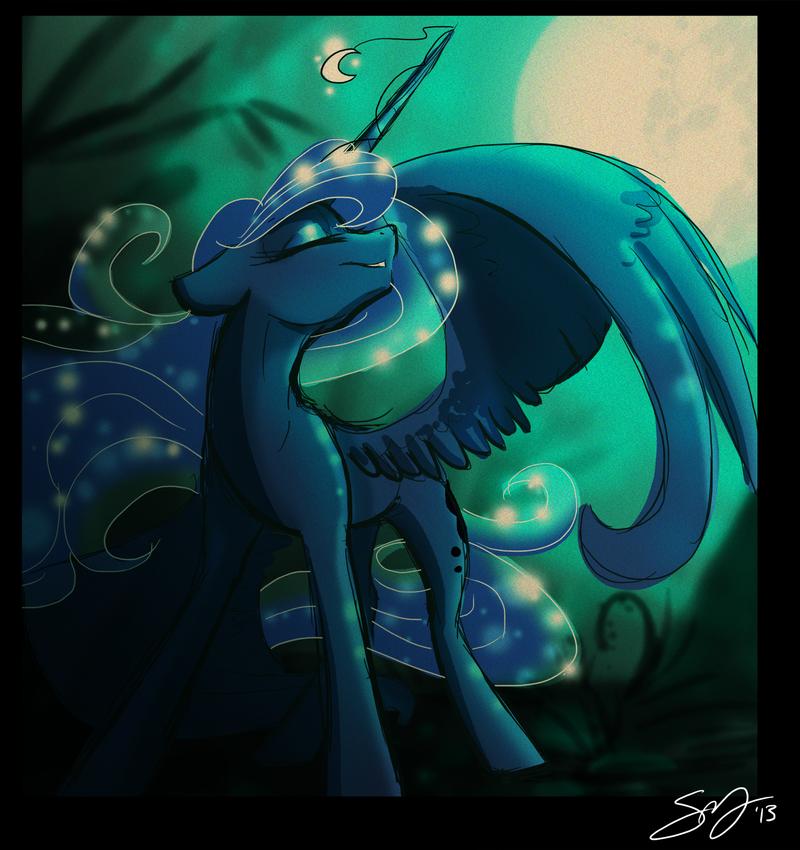 Luna by Famosity