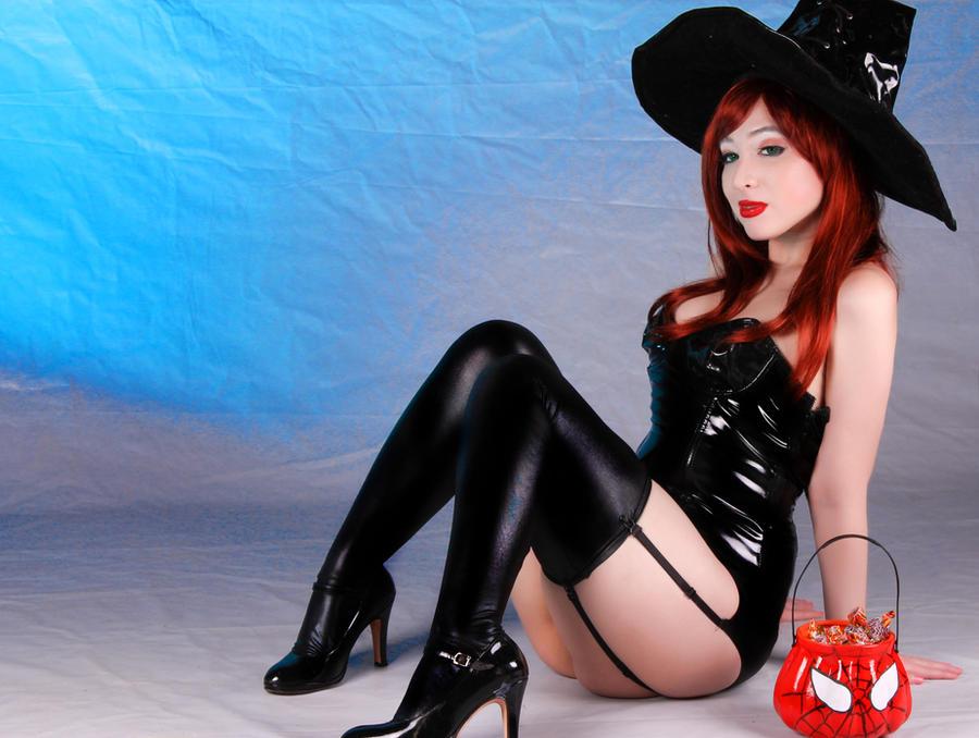 I want candy (Mary Jane Watson - Halloween) by Kitty-Honey