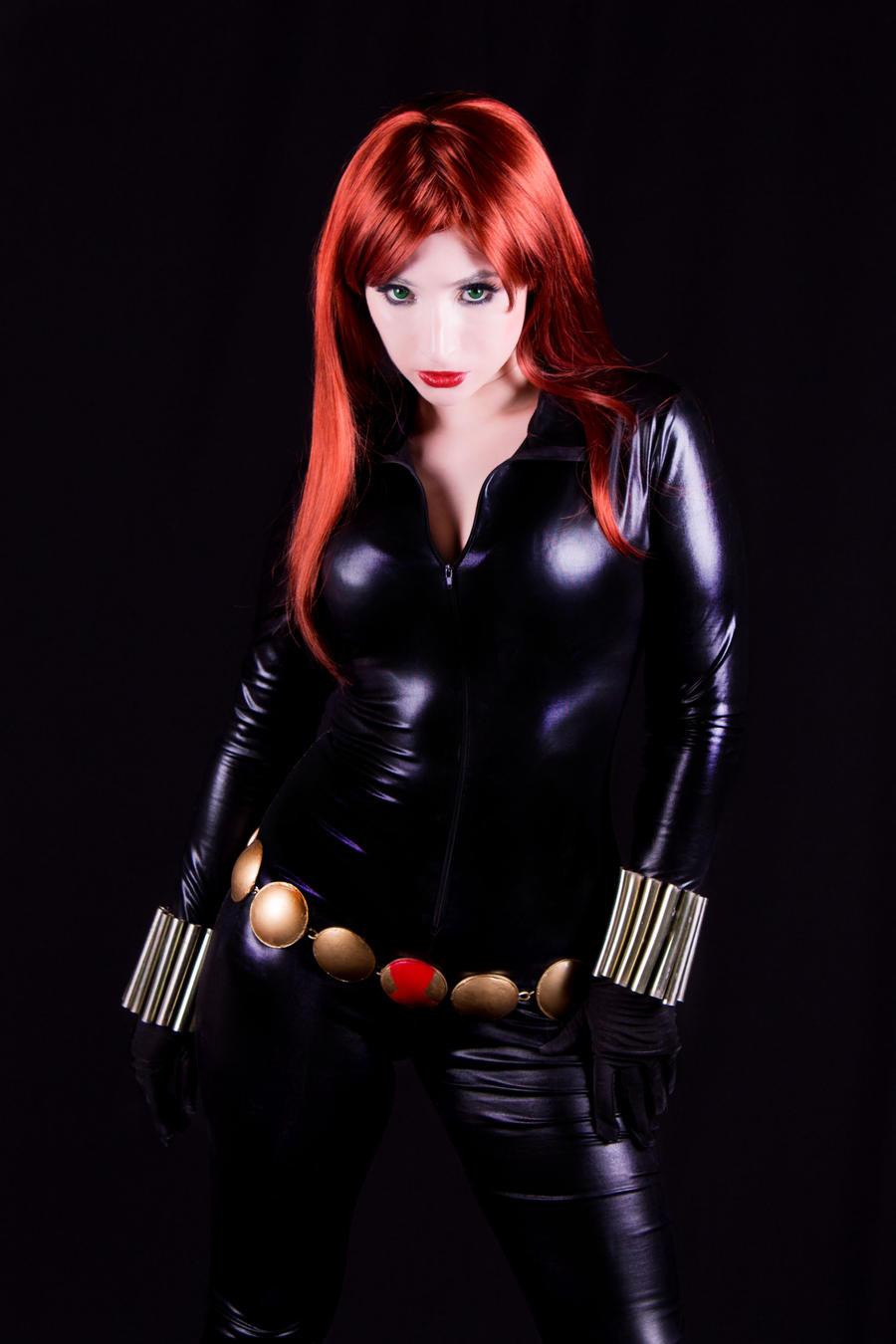 The Widow (Black Widow cosplay)