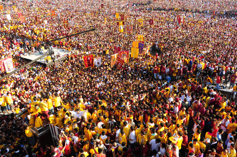 Feast of  Black Nazarene 2010 by royginald