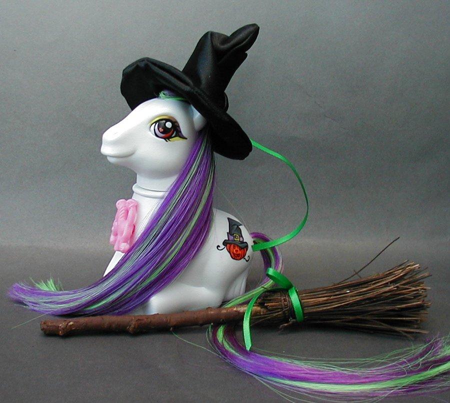 Sitting witch pony by Barkingmadd