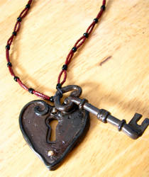 Heart and Key by Grotesque-beauty