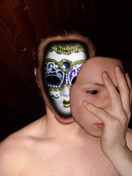 derriere le masque