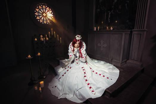 TRINITY BLOOD: Queen