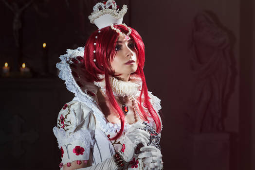 TRINITY BLOOD: The young queen