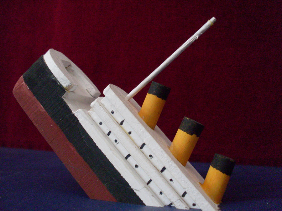 Titanic Sinking Model by sonickingscrewdriver on DeviantArt