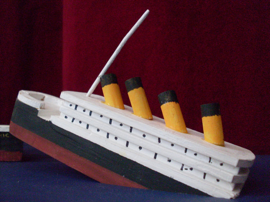Titanic Sinking Model 3 by sonickingscrewdriver on DeviantArt