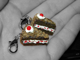Portal Cake Charms. by sonickingscrewdriver