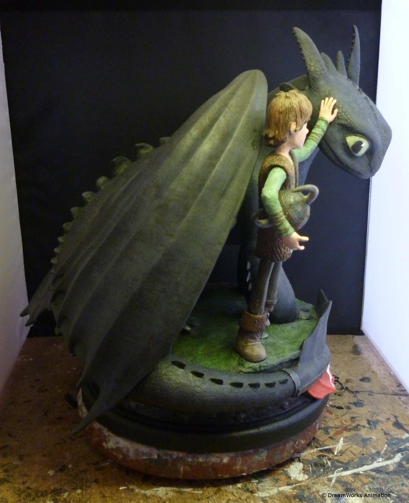 how to train your dragon toothless statue