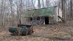 Defunct stables by NickACJones