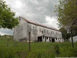 Worn barn by NickACJones