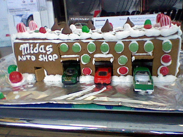 Garage Gingerbread House  By SubwaymasterMegumi On DeviantArt - Gingerbread house garage