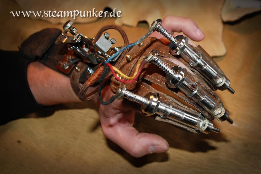 Steampunk vambrace - Armschiene by steamworker