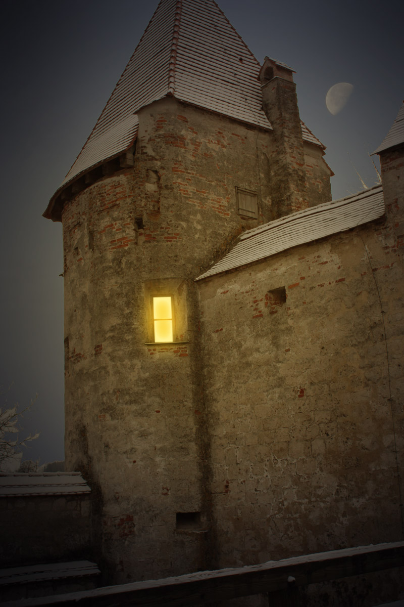 Castle Nightened by Redsterfish